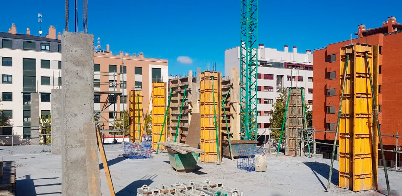 Pilares estructura edificio